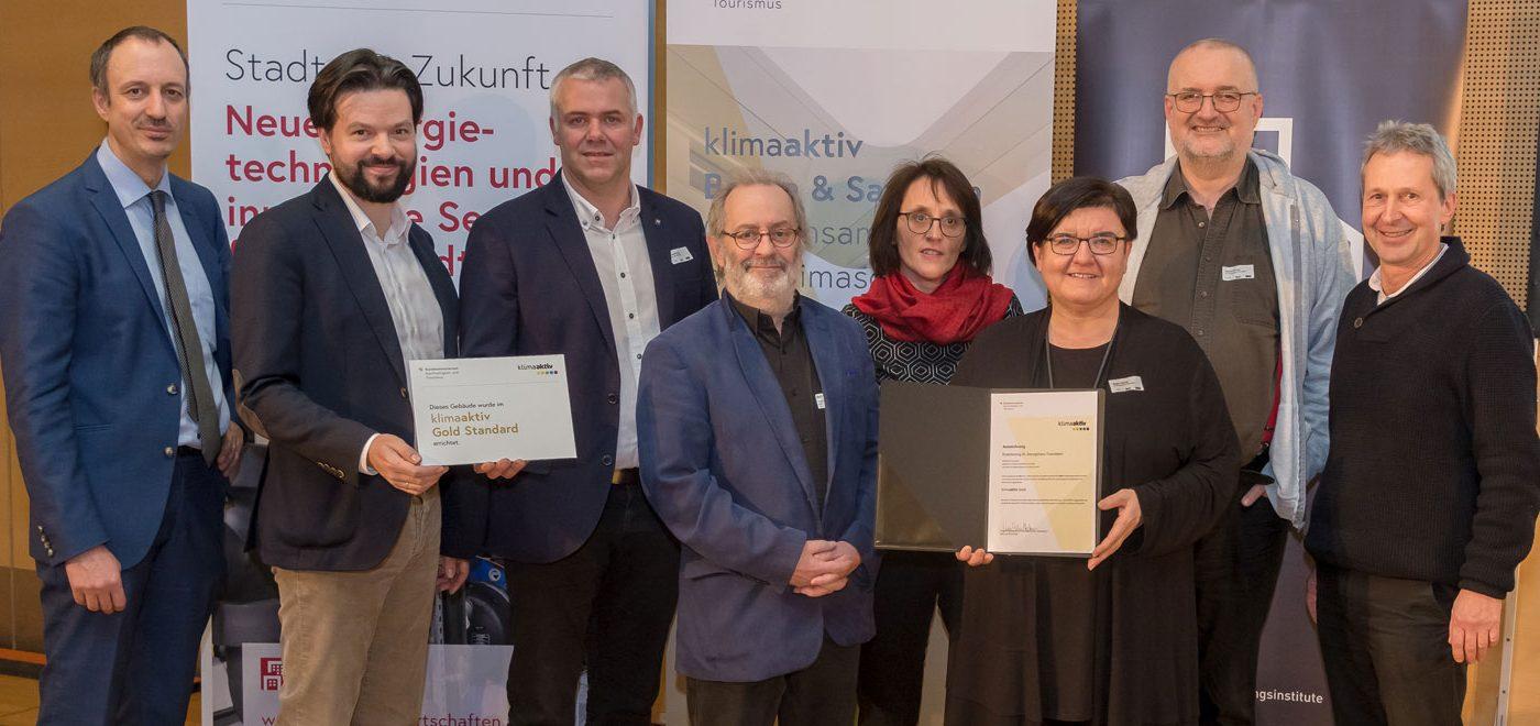 klimaaktiv GOLD für AH3 Projekte am BauZ Kongress in Wien